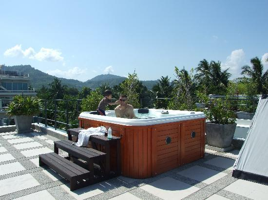 Serenity Resort & Residences Phuket: Hot Tab on the roof