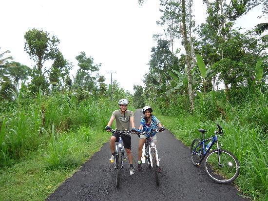 BaliGoBike - Bali Cycling Tours: Cycling through the countryside