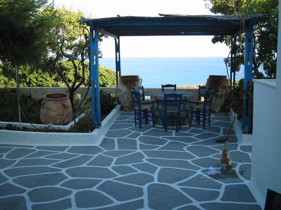 Summer Residencies Milos