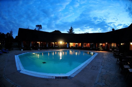 Naro Moru, Kenia: Luxurious Swimming Pool