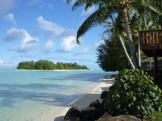 Manea Beach Villas: Manea View from the pool across the lagoon