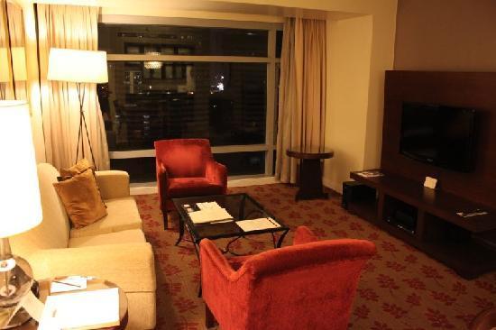 Ascott Makati: Living area