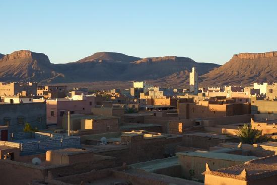 Nkob, Maroc : Blick von der Dachterasse des Imdoukal