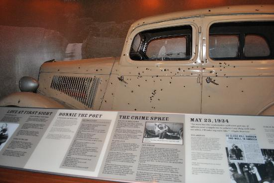 National Museum of Crime & Punishment : Bonnie & Clyde's car in which they were shot dead