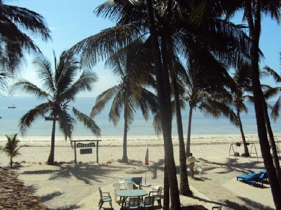 Milele Beach Hotel: More Beach!