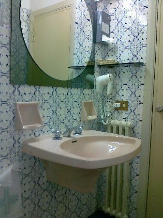 Grand Hotel Capitol: bagno