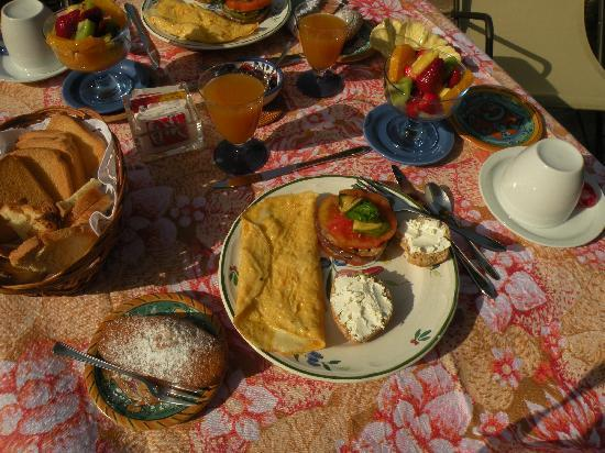 Villino Eleonora First Quality Bed and Breakfast: So Yummy.......