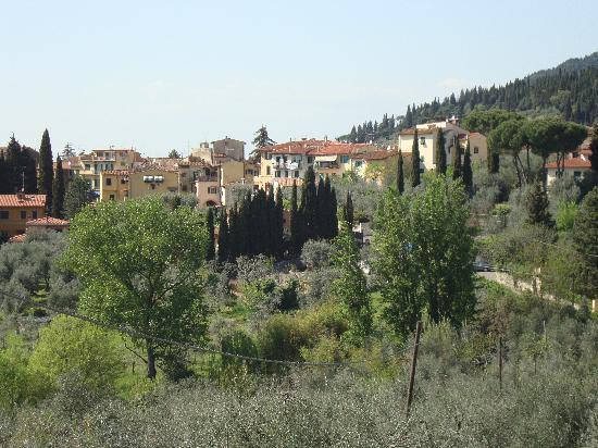 Villa Gamberaia: View of surrounding area