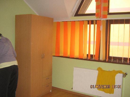 Haus Paltinul Motel : Bedroom 2