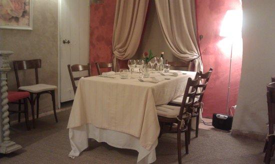 L'Ane sur le Toit: Dining area