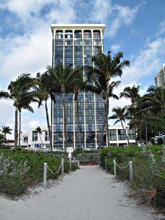 Miami Beach Resort and Spa: Vue de l'hotel depuis l'ocean
