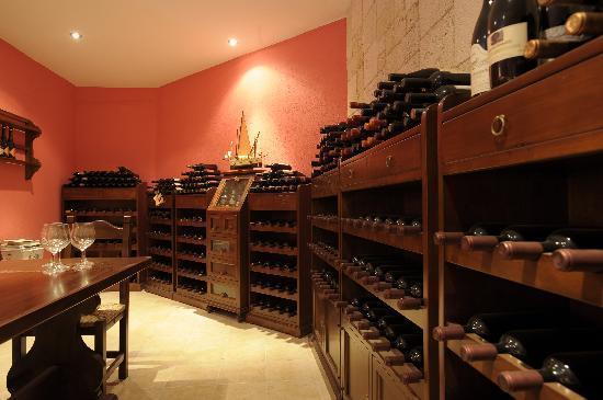 Roxani Country House Wine Cellar