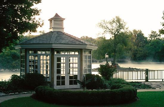 The Herrington Inn & Spa: Waterfront Gazebo for private dining or small meetings
