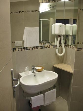 Hotel Appia 442: Ensuite Bathroom
