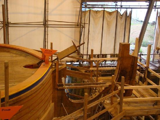 Rochefort, France: le chantier de l'Hermione
