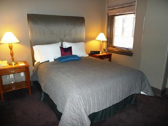 Magnolia Hotel Dallas Downtown: Bedroom