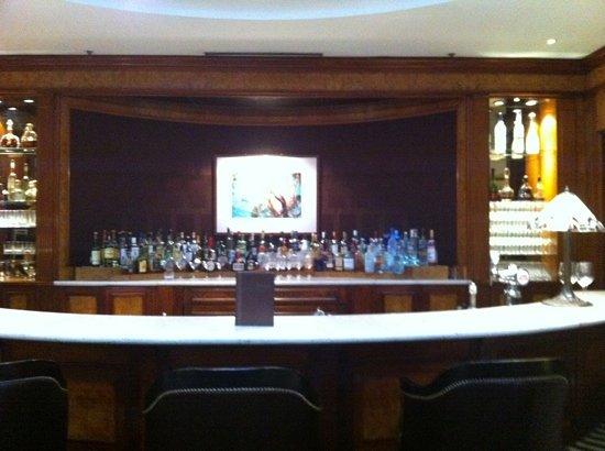 Le Dome: the bar