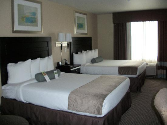 Wingate by Wyndham St. George : Double queen beds