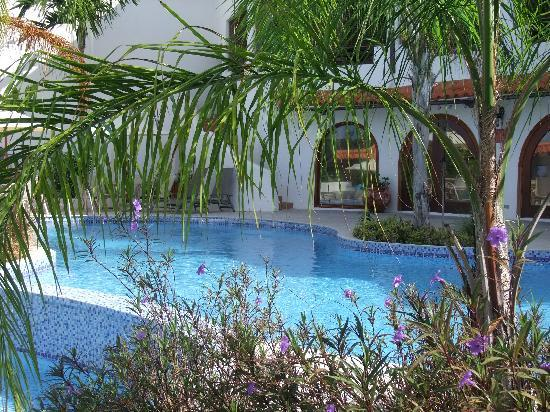 Sugar Cane Club Hotel & Spa : Pool Area