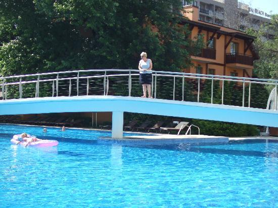 Bridge across pool picture of grand hotel oasis sunny - Sunny beach pools ...