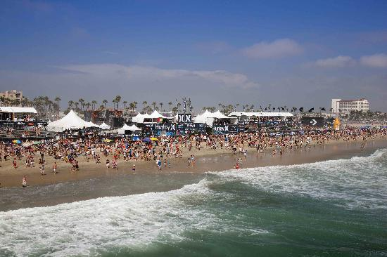 Хантингтон-Бич, Калифорния: Annual Hurley Pro US Open of Surfing in Huntington Beach
