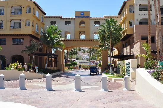 Tesoro Los Cabos: Entrance from standing on the Marina walk