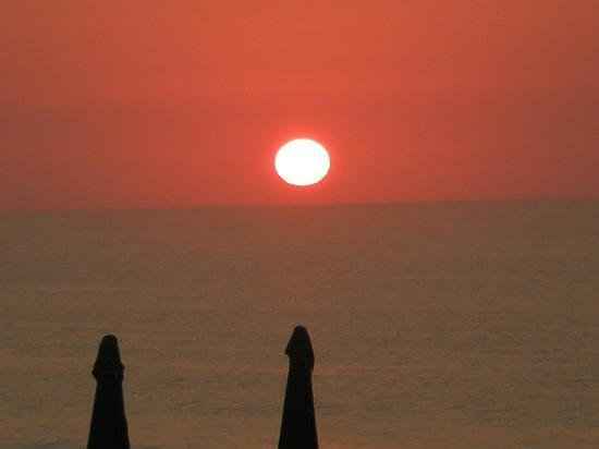 Wrightsville Beach, Carolina del Nord: Sunrise from our suite