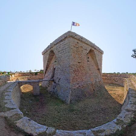 Protur Bonaire Aparthotel: Es Castell de sa Punta de N'Amer