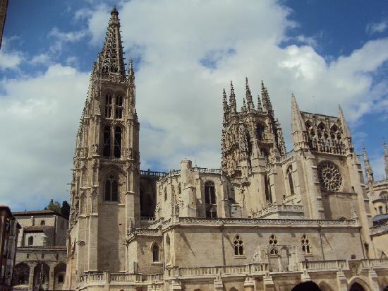 El Cids burial place within Burgos Cathedral - Foto van ...