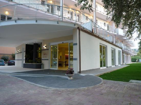 Montesilvano, Italia: ingresso hotel