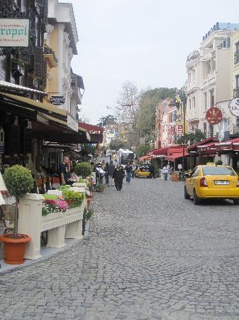Şebnem Hotel: Just around the corner
