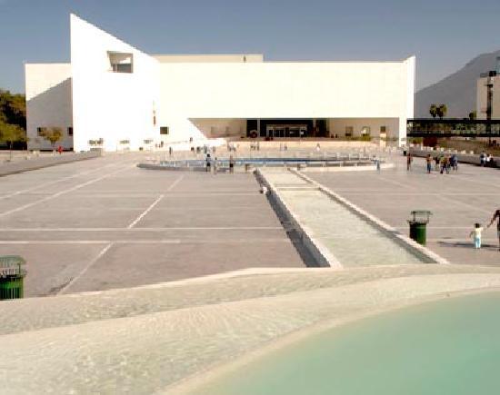Museo de Historia Mexicana: Museo de Historia. Paseo Santa Lucia.