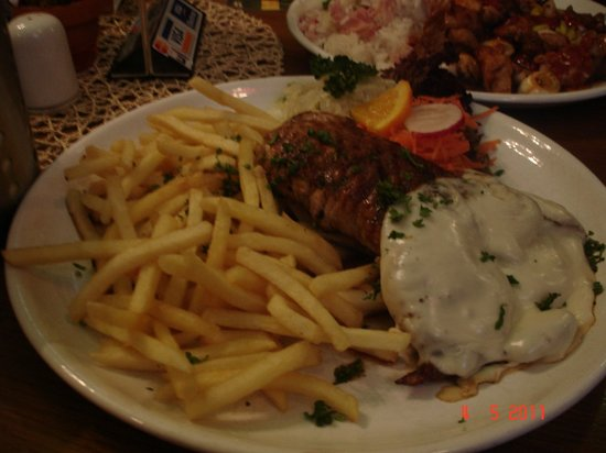 Restaurant Cafe Harmonia : Pork meat with french fries