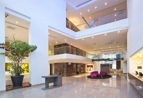 NH Collection Barranquilla Smartsuites Royal: Lobby