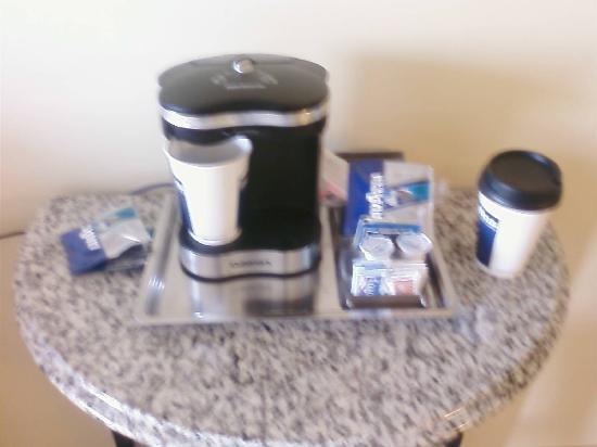 Hilton Sacramento Arden West: Coffee & Tea Station
