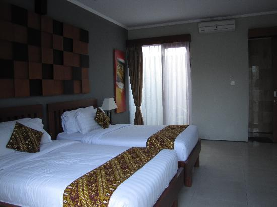 Bali Swiss Villa: Twin Bedrrom
