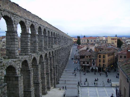 Aquädukt von Segovia: vista desde un extremo