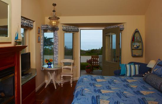 Moonstone Cottages: Seascape Interior