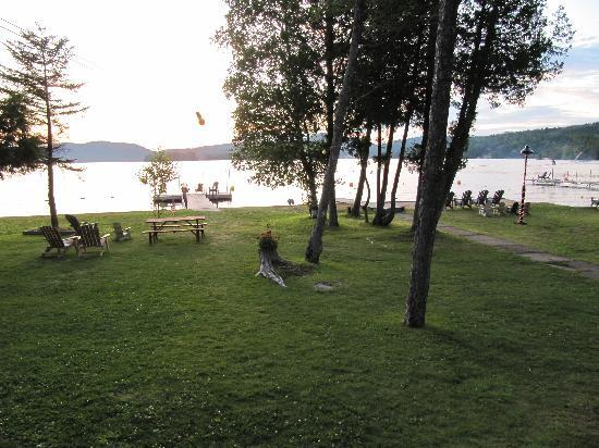 Stiefvater's Lakeside Cottages: a very peaceful setting