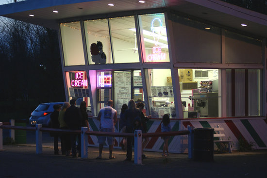 Belford, NJ: Families line up for ice cream at Napoli Boys on a balmy April evening in 2010.