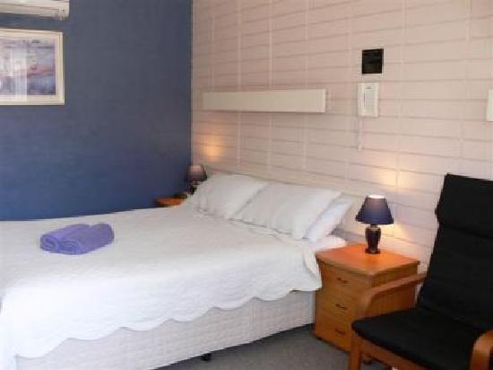 Avenue Motel: Room