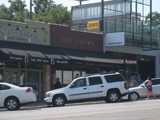 South Congress Avenue: Guns and lingerie - yeeha!