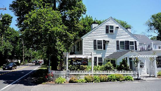 Old Kings Highway: The Old Yarmouth Inn