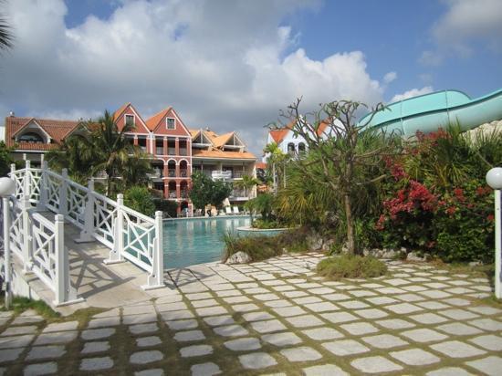 Taino Beach Resort & Clubs: well kept grounds
