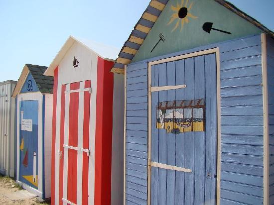 Île d'Oléron, France : cabanes de plage