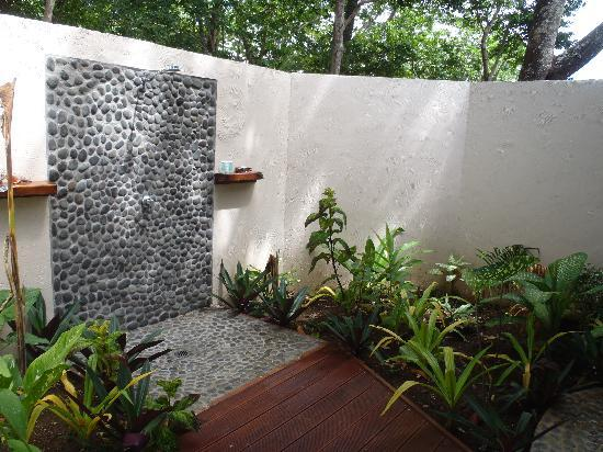 Outdoor Garden Shower Picture of Lope Lope Lodge Espiritu Santo