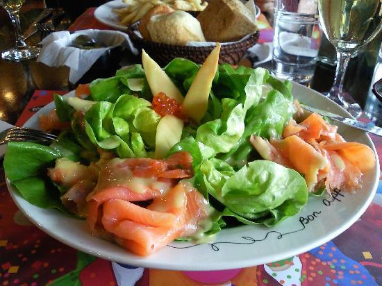 Aspro Mavro: green salad
