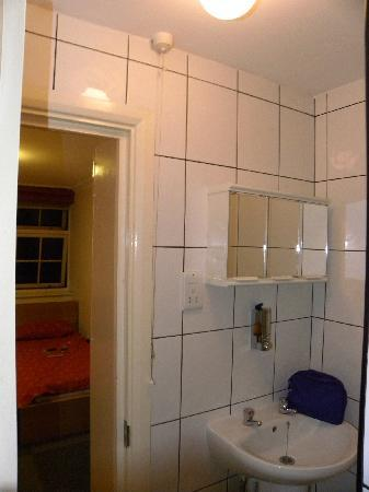 Chelsea Guest House: bagno