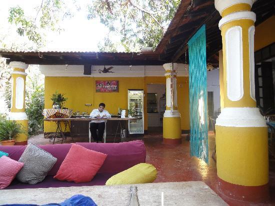 Hotel Bougainvillea - Granpa's Inn: Breakfast venue and restaurant