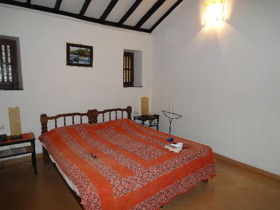 Hotel Bougainvillea - Granpa's Inn: Bedroom